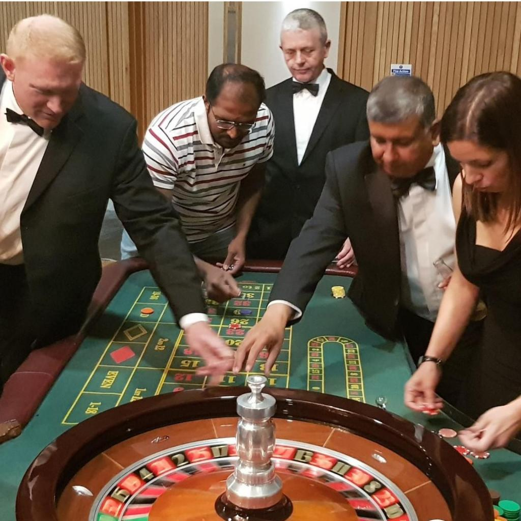 Guests hit the jackpot at CSNI's Casino Evening
